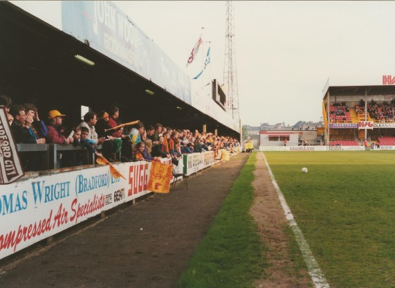 1996 Midland Rd stand